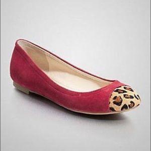 Guess red velvet leopard toe
